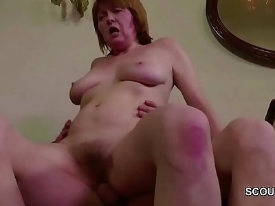 Hairy Mother Seduce to Get Her First Anal Fuck and Facial