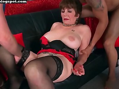 Mature granny anal threesome