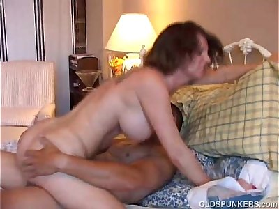 Cute MILF Kayla shaves her pussy ready for cock